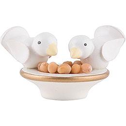 Doves pick over Peas  -  2cm / 0.8 inch